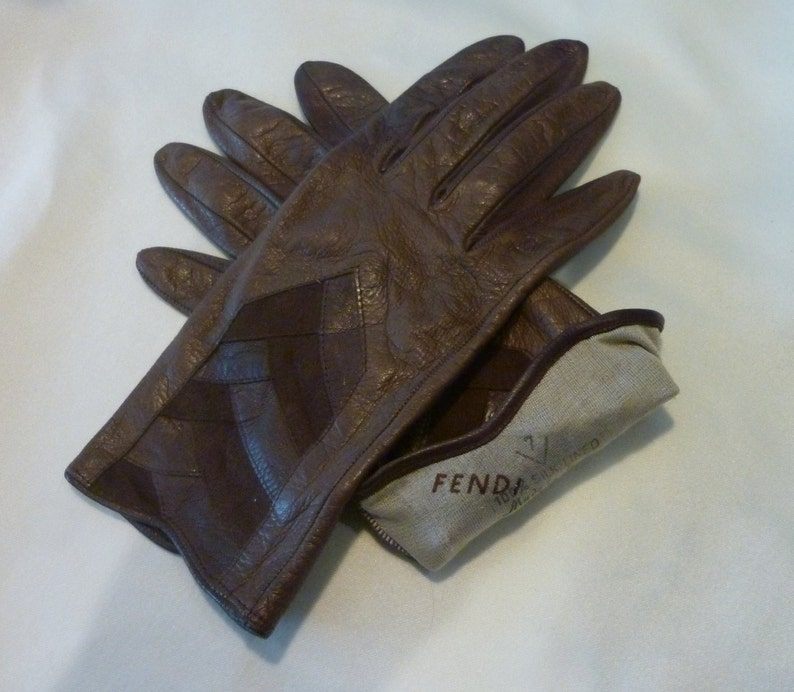 ae3e7244769a0 Vintage Ladies Fendi Gloves Brown Leather Driving Gloves