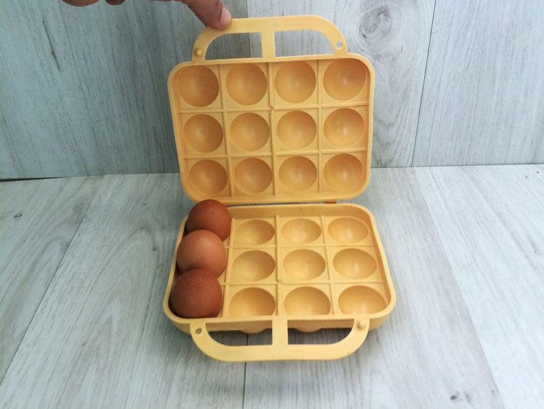 Retro Kühlschrank Orange : Vintage ei halter ei kunststoffkoffer eier retro ei korb etsy