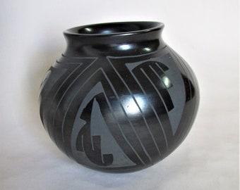 Arminda Silveira Mata Ortiz Pottery