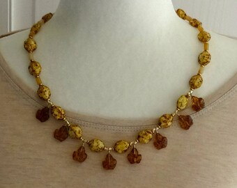 Amber Glass Leaf Beads, Brown and Yellow Glass Beads, Vintage Resin Beads Necklace / Fall Necklace / Autumn Necklace / Leaf Necklace