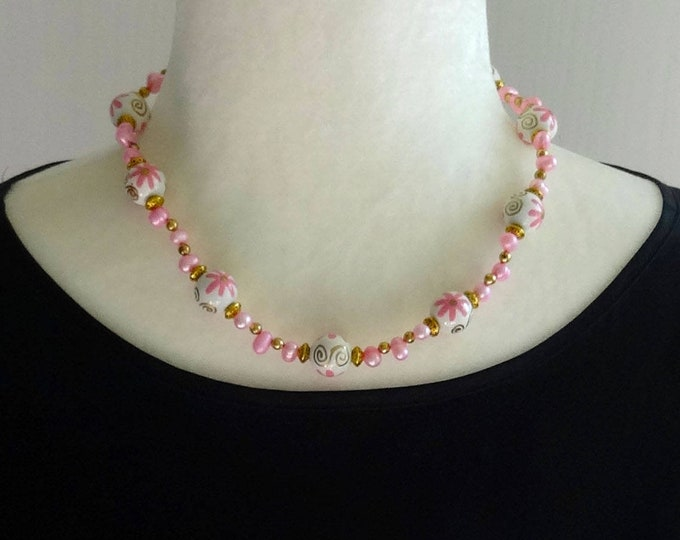 Pink Freshwater Pearl and White Floral Wood Bead Necklace / Spring Necklace / Summer Necklace /