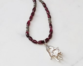 Sterling Silver Hamsa Hand with Star of David Pendant, Vintage Red Glass Beads Necklace, Judaica Pendant, Bat Mitzvah Gift, Chanukah Gift
