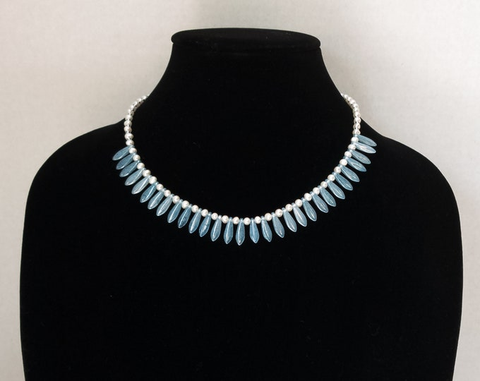 Blue Glass Dagger Necklace, White Pearl Necklace, Blue Bead Necklace, Blue and White Necklace, Czech Glass Dagger Choker, Beaded Choker
