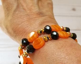 Orange and Black Glass Bead Bracelet, Orange and Black Memory Wire Bracelet, Orange and Black Memory Wire Choker, Halloween Bracelet