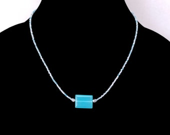 Blue Quartz Minimalist Beaded Necklace, Blue Glass Focal Bead Choker, Layering Necklace, Blue Minimalist Choker