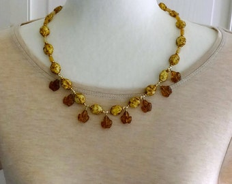 Amber Glass Leaf Beads Necklace, Brown and Yellow Glass Beads, Vintage Resin Bead Necklace, Fall Necklace, Autumn Necklace, Leaf Necklace