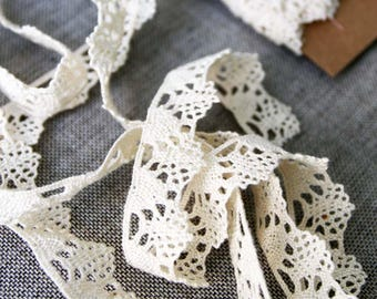 "Vintage lace trim, natural cream cotton lace, 3/4"" wide woven lace edging"
