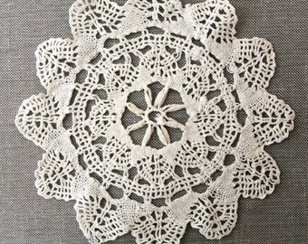 Vintage Lace Doily, needle lace star doily, handmade off white cotton doily, vintage lace