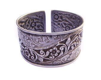 Stunning Design Hand Crafted Old Silver Antique Vintage Look Cuff Bangle Bracelet