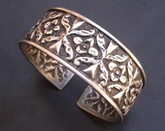 Vintage Look Boho Hippie Ethnic Hand Crafted Old Silver Bangle Bracelet