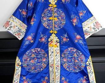 Antique/Vintage Chinese Silk Embroidered Robe/Coat/Kimono