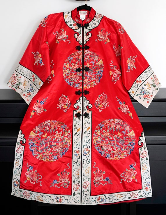 Antique/Vintage Chinese Silk Embroidered Robe/Coat