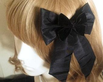 Classic Lolita Black Bow Hair Clip. Elegant. Gothic. Lolita. Victorian. Steampunk. Cosplay. Brand New.