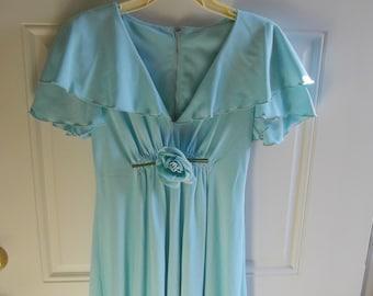 Vintage 1974 Aquamarine Caped Maxi Gown/Prom Dress, Jrs. Size 1/3