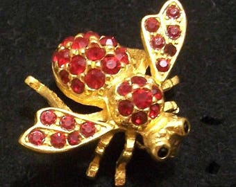 f4769128812 Iconic JOAN RIVERS Signed Ruby Red Crystal Rhinestone Bee Pin Brooch  Vintage Designer Signed Women's Costume Jewelry Holiday Pins