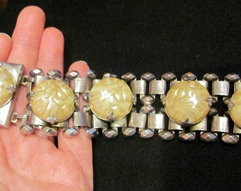 Vintage Rare 50/'s Bracelet Chunky Faux Mabe Pearl /& Diamond Cut Steel Silver Bookchain Book Chain Box Clasp 1.5 Wide 82 Grams No Damage