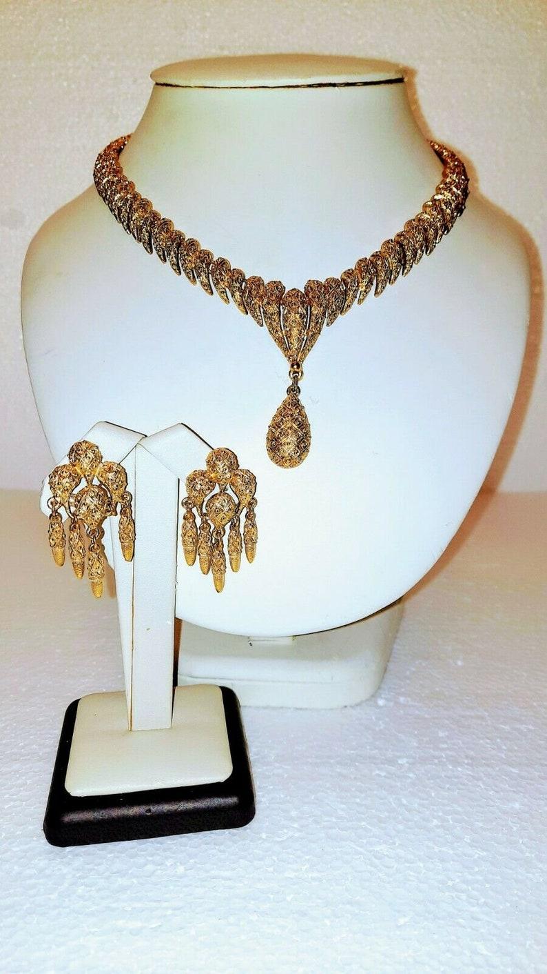 Vintage MONET /'Shanji/' Textured Nubby Gold Tone Teardrop Pendant Choker Necklace /& Matching Clip Dangling Earrings Women/'s Jewelry Set Gift