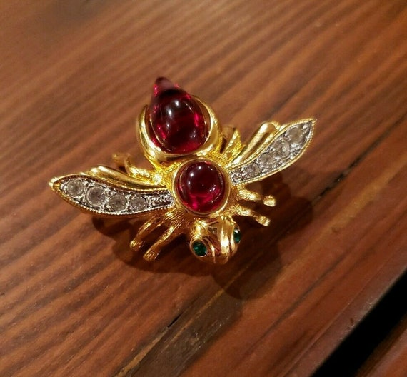 Vintage JOAN RIVERS Signed Classic Ruby Red Caboch