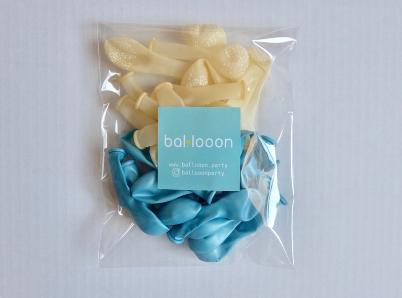 5 latex balloon blue and clear star set 24