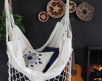 Kangaroo hammock chair