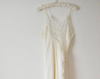 Bridal VICTORIAS SECRET Slip Silky Wedding Slip