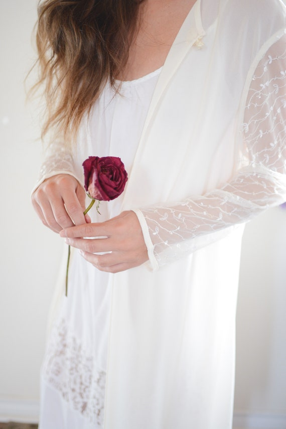 Vintage Sheer Bridal Long Sleeved Cover Up with S… - image 8