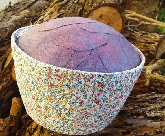 Posies - round cremation urn