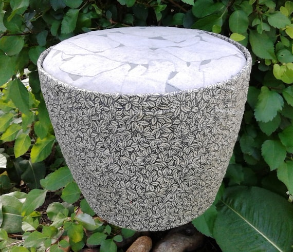 Evergreen with two tone lid - round cremation urn