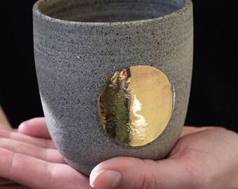 Gold circle stoneware cup // ceramic cup, handmade coffee,minimal design, mug ,gift,drink,tea,coffee,dining, gold ceramic, gold luster