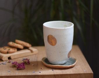 Large spotty gold porcelain cup  // ceramic, handmade cup,minimal design,mug ,gift,drink,tea,coffee,dining, gold ceramic, gold luster