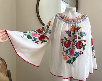 Vintage Hungarian Matyo Embroidered Cotton Peasant Blouse With Angel Sleeves LARGE