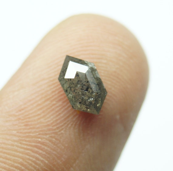 0.87Cts / 7.25x4.21x2.70mm gris clair Salt & Pepper hexagone hexagone hexagone allongé Rose Cut Diamond vrac Cabochon, naturel facettes Diamond Rose Cut, PJ459 5ecde4