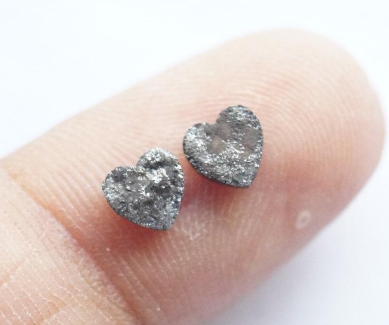 N43 OOAK 2pcs 1.00Tcw 5.0mm Black Laser cut heart Shape Raw Diamond Pair Canadian Loose Diamond Heart Rough Diamond matched pair