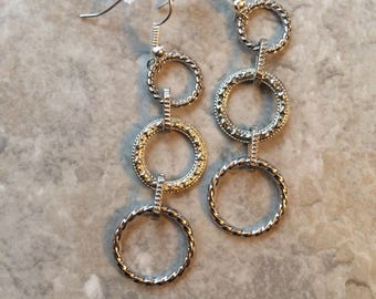 Unique 3 tiered silver circle earrings
