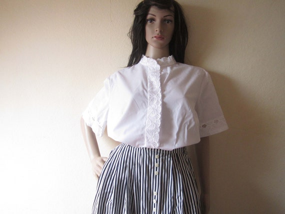 Country house blouse White with lace