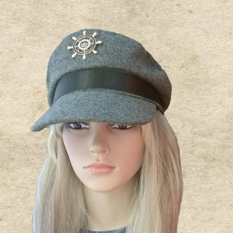 1dbae5093259e Gray captain cap Women s trendy hat Gray newsboy hat