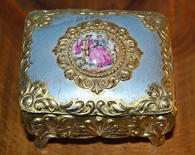 Vintage Trinket Box, Courting Couple Trinket Box