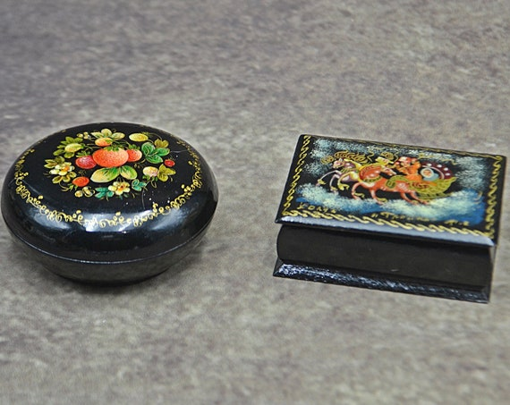 Russian Lacquer Pill Boxes, Paper Mache Miniature Trinket Boxes, Troika, Floral Berry