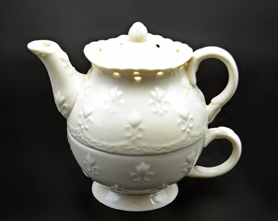 Skye McGhie Tea For One, Cream Lace Teapot And Cup