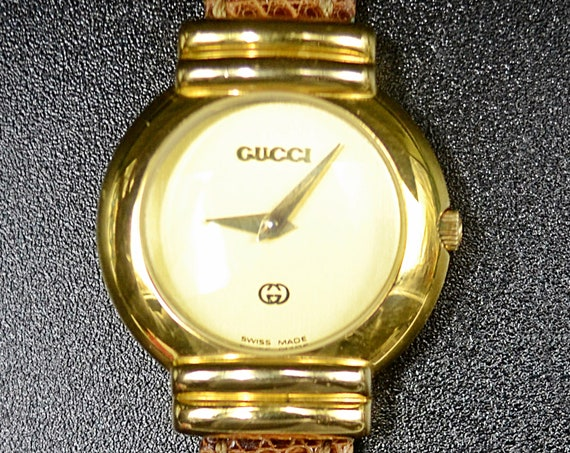 Vintage Ladies Gold Plated Gucci Wristwatch 5300L With Gucci Watch Case, Dress Watch