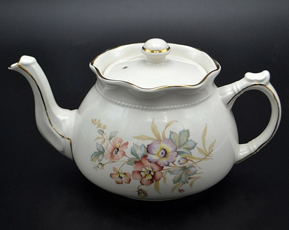 Flowering Dogwood Teapot, Arthur Wood And Son, Staffordshire England 6063