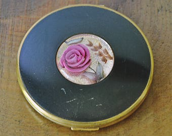 Pygmalion compact etsy vintage pygmalion compact gold tone enamel and lucite compact gumiabroncs Gallery