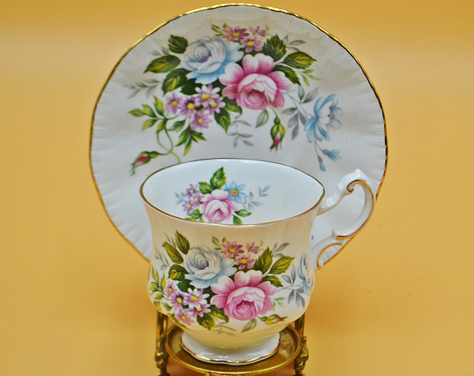 Paragon Teacup And Saucer, Flower Festival B, Pink And White Roses