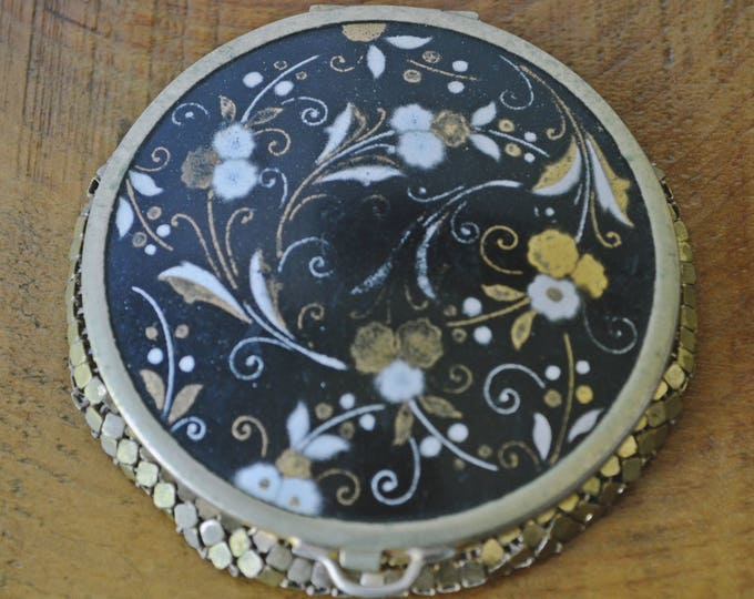 Vintage Floral Compact With Mesh Bottom, Blue Compact