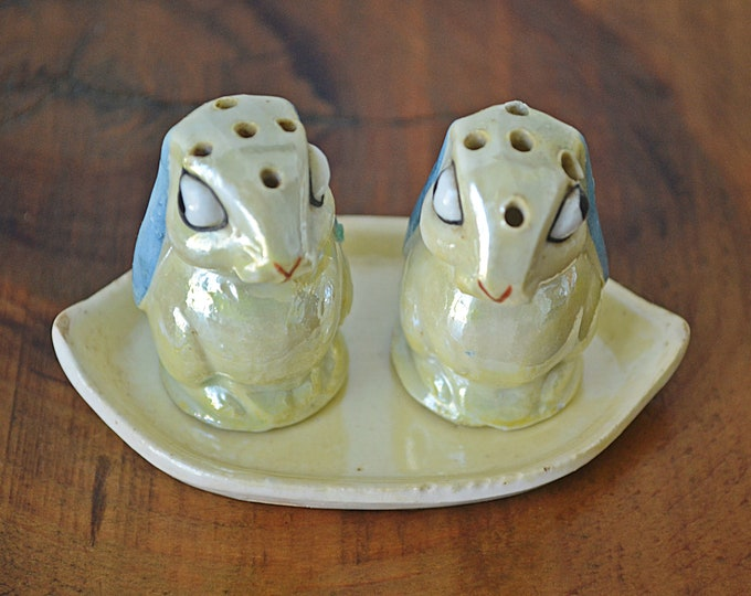 Made In Occupied Japan Lusterware Bunny Salt And Pepper Shakers, Novelty Shakers On Plate