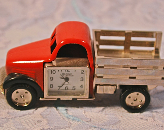 Old Truck Miniature Clock, Breeze Collection Metal Novelty Desk Clock