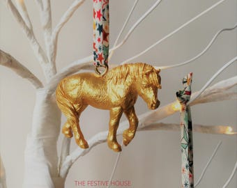 gold horse decorations choice of ribbon horse tree ornaments animal christmas decorations horse gifts christmas decorations liberty