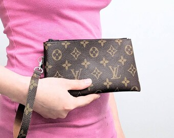 Repurposed Louis Vuitton clutch purse - Upcycled Louis Vuitton wristlet - Louis  Vuitton small clutch - LV clutch purse - Upcycled LV clutch be0f92f31c123