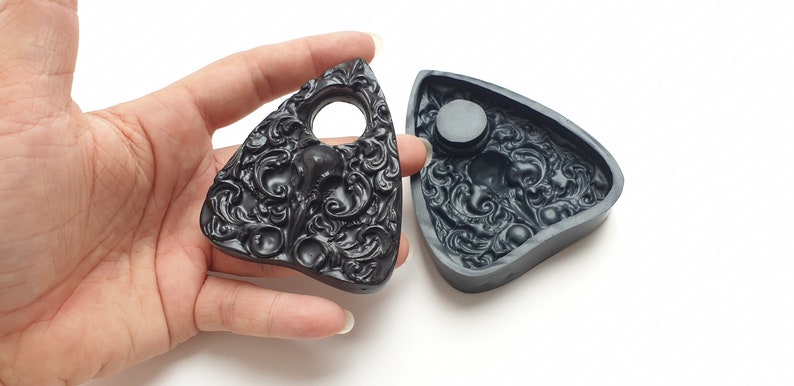 Silicone Mold Filigree Skull Planchette Silicone Mould Design Mould Soapmaking Resin Mould Ouija Mould Mould for Resin