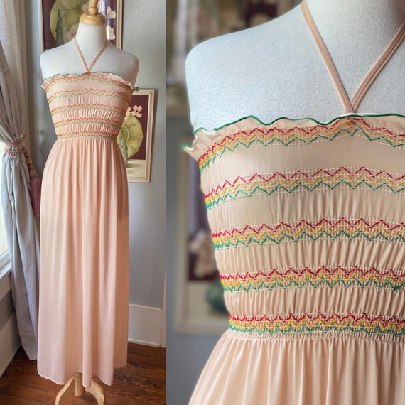 1970's vintage tie neck smocked top nightgown